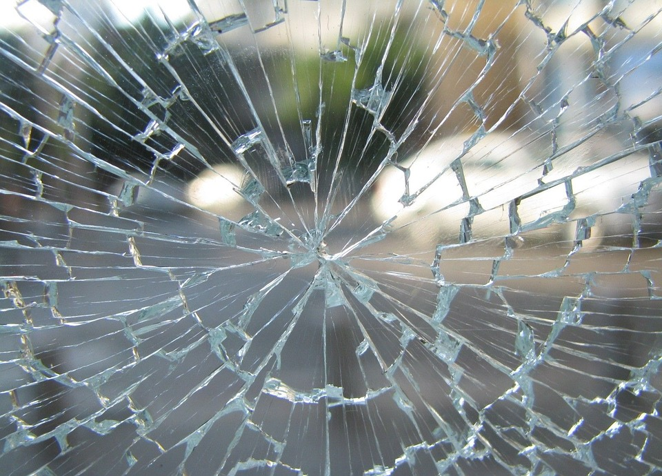 Four Ways A Window Can Shatter | Frontier Glass Inc